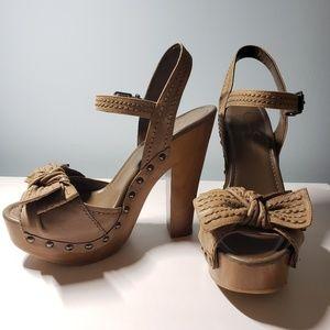 JESSICA SIMPSON Open Toe T-Strap Shoes